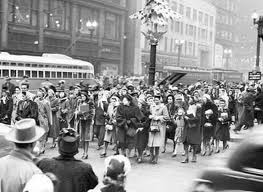 Christmas shoppers in Chicago 1930's